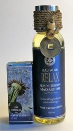 Relax etherische Ayurvedische olie. Mengsel van pure mango, kamille en kokos olie &  Relax massage olie met 30% groene thee extract,  olijf, kokos en soja olie. 100% zuivere ingredienten, Bali Alus gecertificeerd. 100 ml & 10 ml.