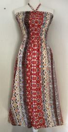 Strapless jurkje 'Yasta Art'. Gesmockt bovenlijfje, met halterbandje, zijsplitje,  lengte 105 cm  vanaf bovenkant smockrand. Bovenwijdte rekbaar tot 100 cm. One size  size voor maat 36 t/m 42.  100% rayon.