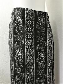 Bali authentieke ceremonie sarong. 1.75 X 1.10 cm Wasbaar op 30 graden. Met sarongknoop.
