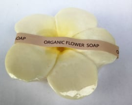 Frangipani zeep. De heilige bloem uit Bali die het hart opent. 100% Organic.  Betoverend van geur. 90 gram.