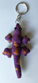 Vrolijke Balinese gekko sleutelhanger voor aan je (Bali) tas of sleutelbos. Totale lengte 12 cm.