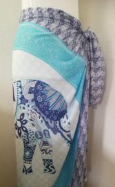 Sarong olifant zentangle blue. Symbool van kracht, heilige wijsheid en onsterflijkheid. 115x150 cm, 100% Rayon (kunstzijde) wasbaar op 30 graden. Met sarongknoop.