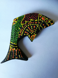 Koelkast magneetje vis. Beschilderd door de Balinese aboriginals, de Bali Aga. 8 x 3.5 cm.