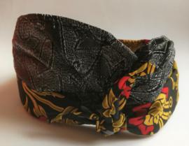 Udeng. Traditioneel Balinees hoofddeksel voor mannen. Omtrek 60 cm