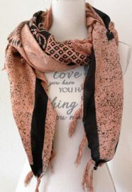 Sarong Goden zalmkleurig. 115x150 cm 100% Rayon (kunstzijde) wasbaar op 30 graden.  Met sarongknoop.