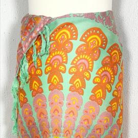Sarong pauw, pastel tinten. Symbool van onsterfelijkheid.
