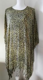 Sarongshirt Tiger pastel met wijde hals 100% rayon. One size. ( Wijdte 1.80 lengte 90 cm)