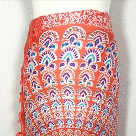 Sarong pauw, oranje/multi color. Symbool van onsterfelijkheid.