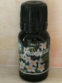 Frangipani 100 % pure essentiële olie. Opent het hart.  Als aromatherapie, op de huid of als verdamper. Afrodiserend, pijn verzachtend, ontspannend.  Verlicht stress, nervositeit en angst. 10 ml. DIT ARTIKEL KAN PAS OP 7 OKTOBER WORDEN VERZONDEN.