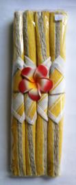 Zomerse  handgemaakte linnen placemats geel. 4 stuks van 35x30 cm met onderzetters van 9 x9 cm. Wasbaar.