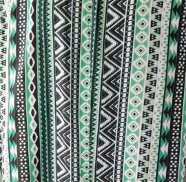 Mouwloze top Bali Garis, met ronde zoom. Maat 46 t/m 56. Lengte 68 cm, bovenwijdte 1.22 cm, heup 1.44 cm. 100% rayon