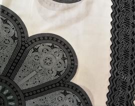 Sarong Mandala, wit/grijs/zwart.