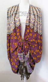 Sarong vest flowerpauw, paars oranje multi. 100% rayon, met sarong knoop.