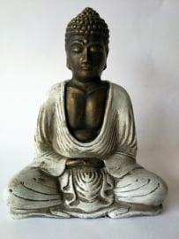 Kleine mediterende  Balinese Boeddha.
