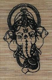 Spreukdoek Ganesha. Op jute geverfd. Afmeting 36 x 98 cm.