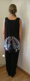 Mouwloze tricot  top Tie dye Bali. Maat 40 t/m 44. Bovenwijdte 1.26 cm, heup 1.48,  lengte 74 cm. 100% katoen.Maat 48/52