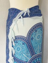 Sarong Mandala blauw tinten.