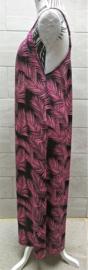 Heerlijk maxi jurkje met verstelbare spaghetti bandjes Bali blad. Wijde armsgaten. Bovenwijdte 106 cm, heup 120 cm.100% rayon. Maat 40 t/m 42.