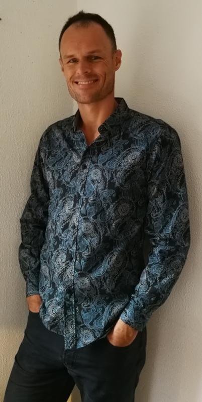 Blouse/overhemd.  Balinese L  wijdte 101 cm Mouwlengte 63 cm. Zacht katoen.