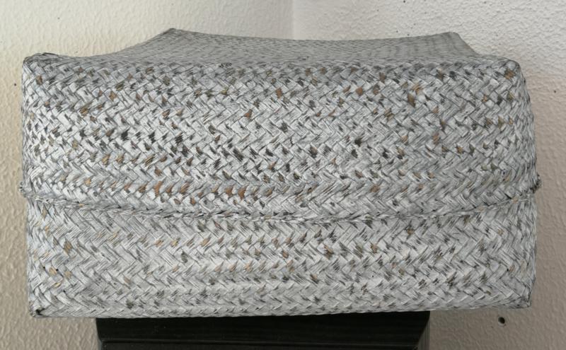 White wash antraciet kleurige offerdoos. Van zacht bamboe. 29x29x15 cm.