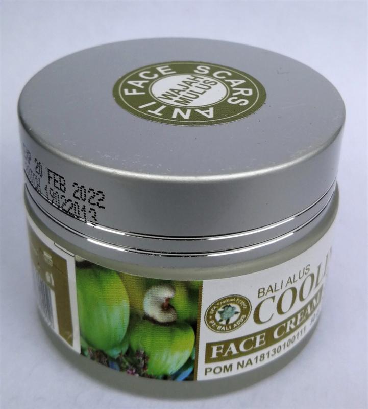 Cooling down Face Creme. Sublieme creme met een intens regenererende werking op diepe rimpels, zware acné en littekens. Met de wondergelei van de bijen 'Royal Jelly, Aloe Vera en Cashewnoot olie. 30 gram.