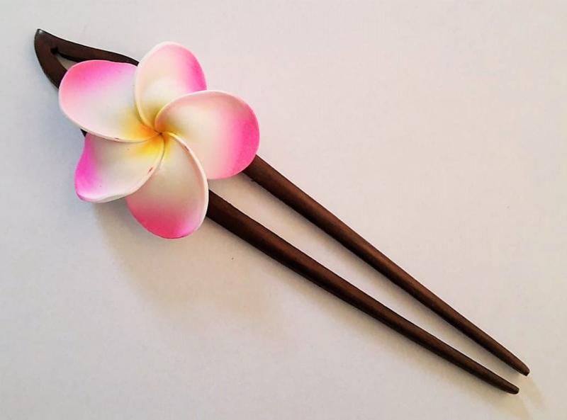 Knot speld. Bali palisander hout. 19 cm lang.
