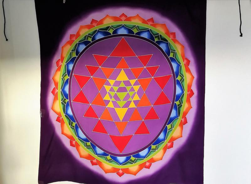 Wandkleed Mandala. Batik uit Ubud, 1.10 bij 1.00 m. Met ophangkoord.