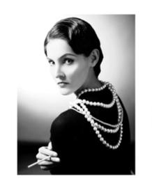 Spiegellijst met Coco Chanel portret