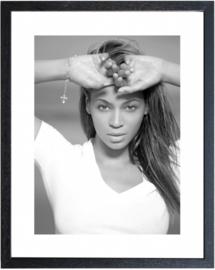 Fotolijst zwart-wit foto Beyoncé (M 40,5 x 50,5)