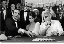 Spiegellijst met poster James Bond Casino (90x70)