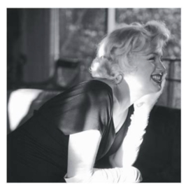 Spiegellijst met poster Marilyn Monroe | Between Friends (50x50)