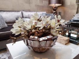 Schelpenvaas Bowl opgemaakt met magnolia (bruin/rosé)