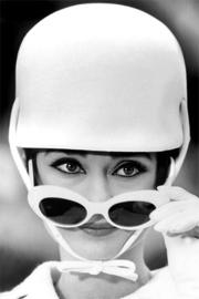 AluArt Kunstwerk - Audrey Hepburn cap (Black & white)