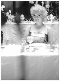 Spiegellijst met poster Marilyn Monroe | Your Table Awaits
