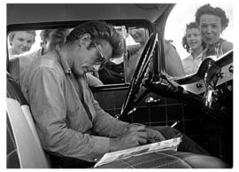 Spiegellijst met James Dean 'Signing Autographs'