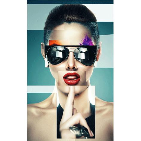AluArt Kunstwerk - Girl with black sunglasses