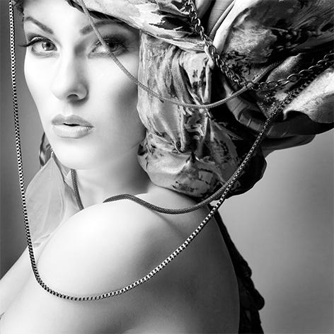 AluArt - Glamour Lady 100x100