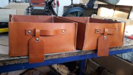 Lectuurbox, opbergbox, goodiebox 28 cm. breed 32 cm. diep en 13 cm. hoog donkerbruin