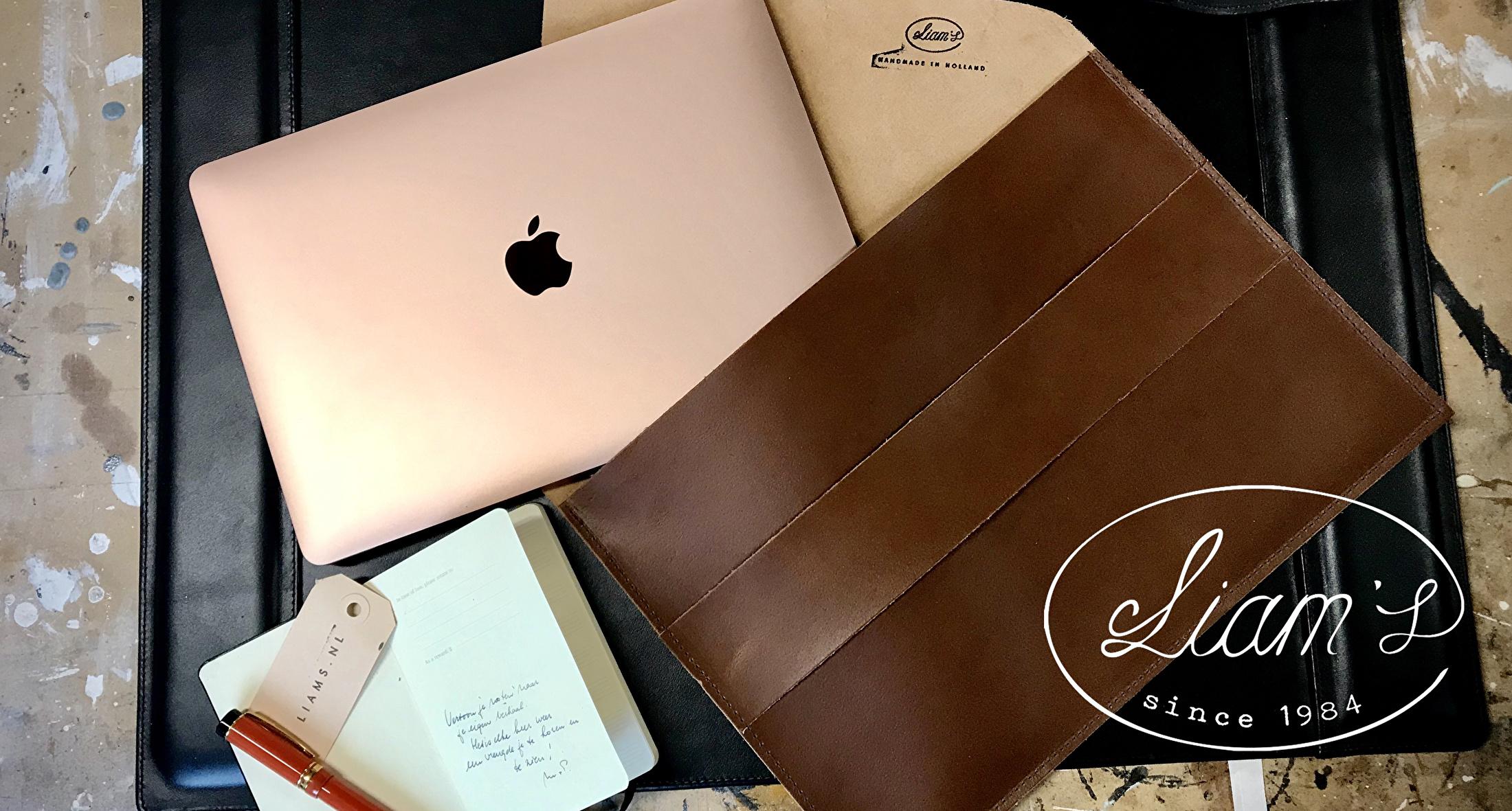 handgemaakte lederwaren kerstkado kerstcadeau gift MacBook Air apple laptop