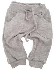 Baby broekje met zakken