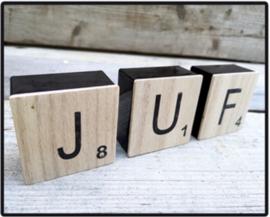 """Metalen  scrabble doosjes houten deksel  """"JUF"""""""