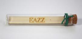 glazen buisje met houten naamregel