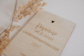 Houten kaarten   ceremoniemeester