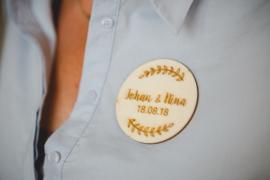 Houten ronde corsage takjes | gepersonaliseerd
