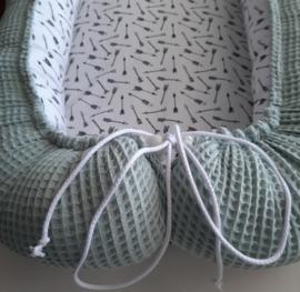 Babynestje oud groen/pijltjes