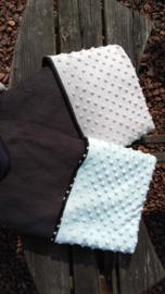 Wiegendekentje (grijze fleece/mint minky dot)
