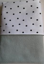 Dekentje/oud groen wafelstof/dots