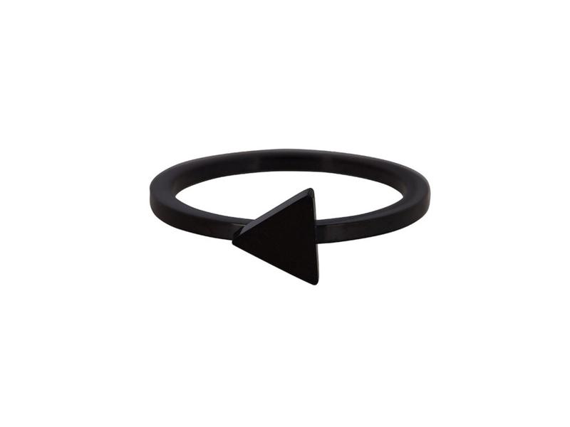 Ring Triangle Black Steel