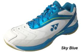 Yonex SHB 65 Sky Blue maat 43