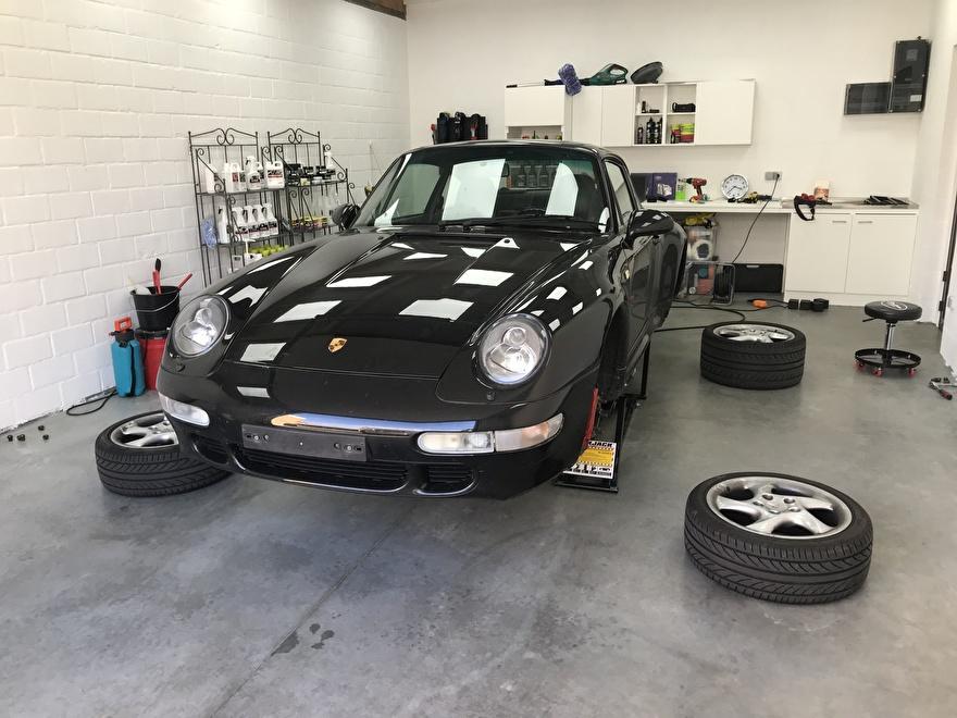 Porsche Carrera 4S velgen verwijderd